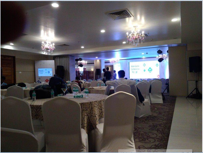 Webmaster Conference Patna 2019 स्टेज और बैठने के लिए जगह.